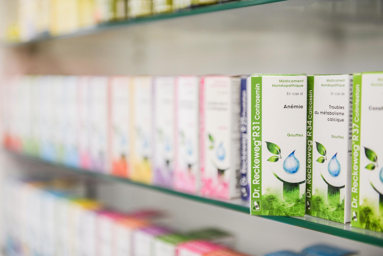 Photo de produits homéopathiques à la Pharmacie Saint-Roch